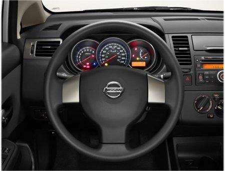 Nissan Tiida Sedã 2013 – Preços e fotos - Carro de Garagem