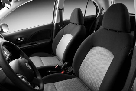 Interior do Nissan March SR 2013