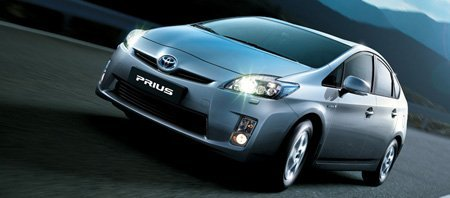Lateral frontal do Toyota Prius