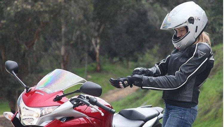 5 equipamentos de segurança para motociclistas - Carro de Garagem a141129c2b